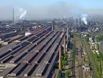 Fábrica industrial enorme   imagen de archivo