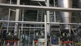 Fábrica interior, moderna industrial, interior de uma fábrica moderna, fábrica de tratamento, panorama filme