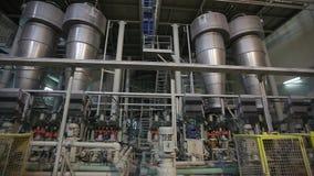 Fábrica interior, moderna industrial, interior de uma fábrica moderna, fábrica de tratamento, panorama vídeos de arquivo
