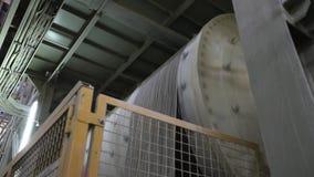 Fábrica interior, moderna industrial, interior de uma fábrica moderna, fábrica de tratamento, plano geral video estoque