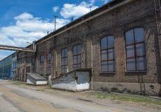 A fábrica muito velha do metal foto de stock royalty free