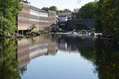 Fábrica na água Milford, NH fotos de stock