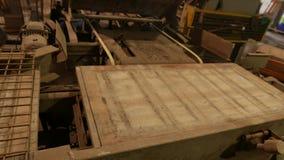 Fábrica para a produção de blocos de cimento e de pedras de pavimentação vídeos de arquivo