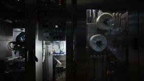 Fábrica Producción del jugo Transportador de la botella metrajes