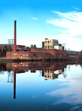 Fábrica vieja, abandonada Foto de archivo