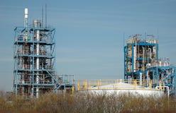 Fábrica y depósito químicos del petróleo Imágenes de archivo libres de regalías