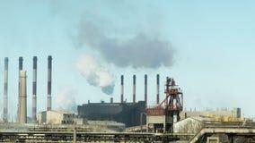Fábricas y ecología Contaminación atmosférica metrajes