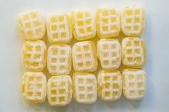 För smörhonung för hög holländsk kallad 'botersnoepje 'godis mot vit bakgrund arkivbilder