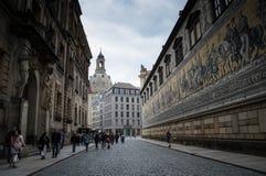 FÃ ¼ rstenzug w Drezdeńskim mieście, Niemcy obraz stock