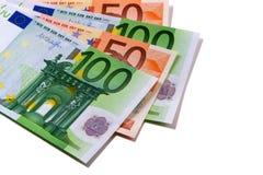 Fã das contas de moeda do Euro isolado no branco Foto de Stock