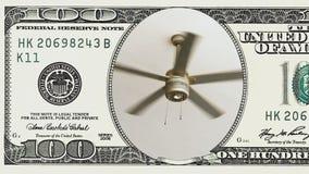 Fã de teto que gira em um quadro da nota de dólar 100 video estoque