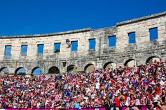 Fãs croatas que seguem o final de campeonato do mundo Foto de Stock