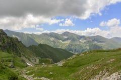 Făgăraș-Bergspitzen lizenzfreies stockbild