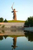 'Fäderneslandappellerna!', monument i Volgograd, Ryssland Royaltyfri Foto