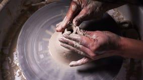 Fähigkeitswerkstatt der dekorativen Kunst des Topflehms stock video