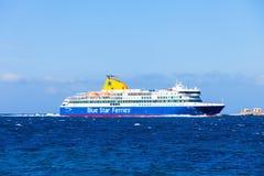 Fähre des blauen Sternes, Griechenland Lizenzfreie Stockfotografie
