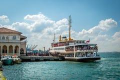 Fähre in Istanbul, die Türkei Stockfotos
