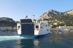 Fähre Naiade Caremar (Kampanien Regionale Marittima) von Neapel Stockfotos