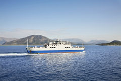 Fähre von Korfu zu Igoumenitsa Griechenland lizenzfreie stockbilder