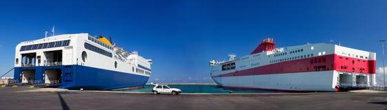 Fähren bereit zu laden Stockfotos