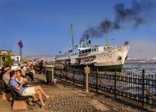 Fähren in Istanbul Pendlerfähren haben auf Th funktioniert Stockbilder