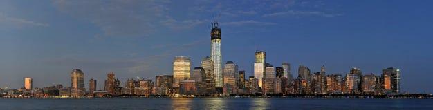 Fäll ned den Manhattan horisontpanoramat Royaltyfri Bild