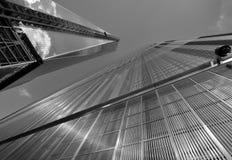 Fäll ned mahattan och en World Trade Center Arkivbilder
