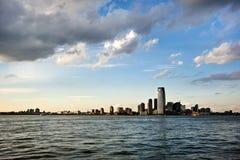 Fäll ned Manhattan horisont Arkivbilder