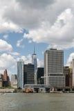fäll ned manhattan skyskrapor Royaltyfria Foton