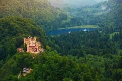 Fäll ned slotten av Schwangau fotografering för bildbyråer