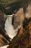 Fäll ned Yellowston nedgångar Royaltyfri Bild