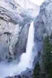 Fäll ned Yosemite Falls 02 Arkivfoto