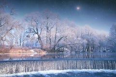Fälle in den Winter Stockfotografie