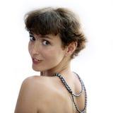 Fällige Frau mit einer Halskette Lizenzfreie Stockfotografie