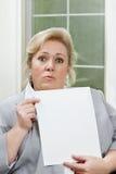 Fällige Frau reagiert mit surpise Lizenzfreies Stockfoto