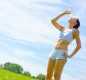 Fälliger Frauen-Athlet lizenzfreies stockbild