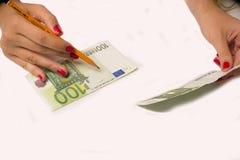 Fälscher schmiedet Euro lizenzfreies stockbild