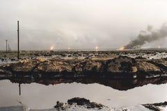 Fält av att bränna olje- brunnar, kriget i Persiska viken, Kuwait Fotografering för Bildbyråer