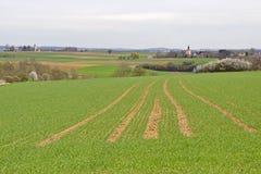 Fält och byar i Bayern Royaltyfria Foton