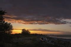 Fältväg för två spår till soluppgång Royaltyfria Foton