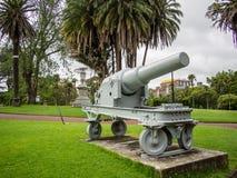 Fältvapen, del av Boerkrigminnesmärken på Albert Park, Auckland, Nya Zeeland royaltyfri bild