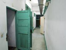 Fängelsearrestkorridor i Jing-Mei Human Rights Memorial och Cultu arkivbild