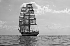 Fängelset med allt henne seglar på havet Arkivbilder