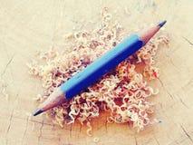 Färben Sie alte Retro- Weinlese der Bleistifte Stockfoto