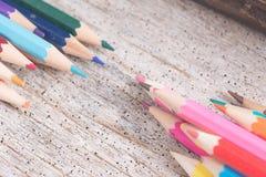 Färben Sie alte Retro- Weinlese der Bleistifte Stockbild