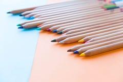 Färben Sie alte Retro- Weinleseart der Bleistifte Zeichenpapierbeschaffenheit Stockfotos