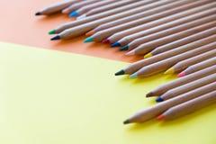 Färben Sie alte Retro- Weinleseart der Bleistifte Zeichenpapierbeschaffenheit Lizenzfreie Stockfotografie