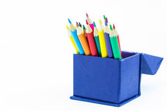 Färben Sie Bleistifte oben getrennt auf weißem Hintergrundabschluß Lizenzfreies Stockbild