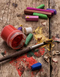 Färben Sie Farben, Zeichenstifte und Bleistifte für das Zeichnen Stockfoto