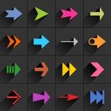 Färben Sie flaches Zeichen der Pfeilikone mit langem Schatten vektor abbildung